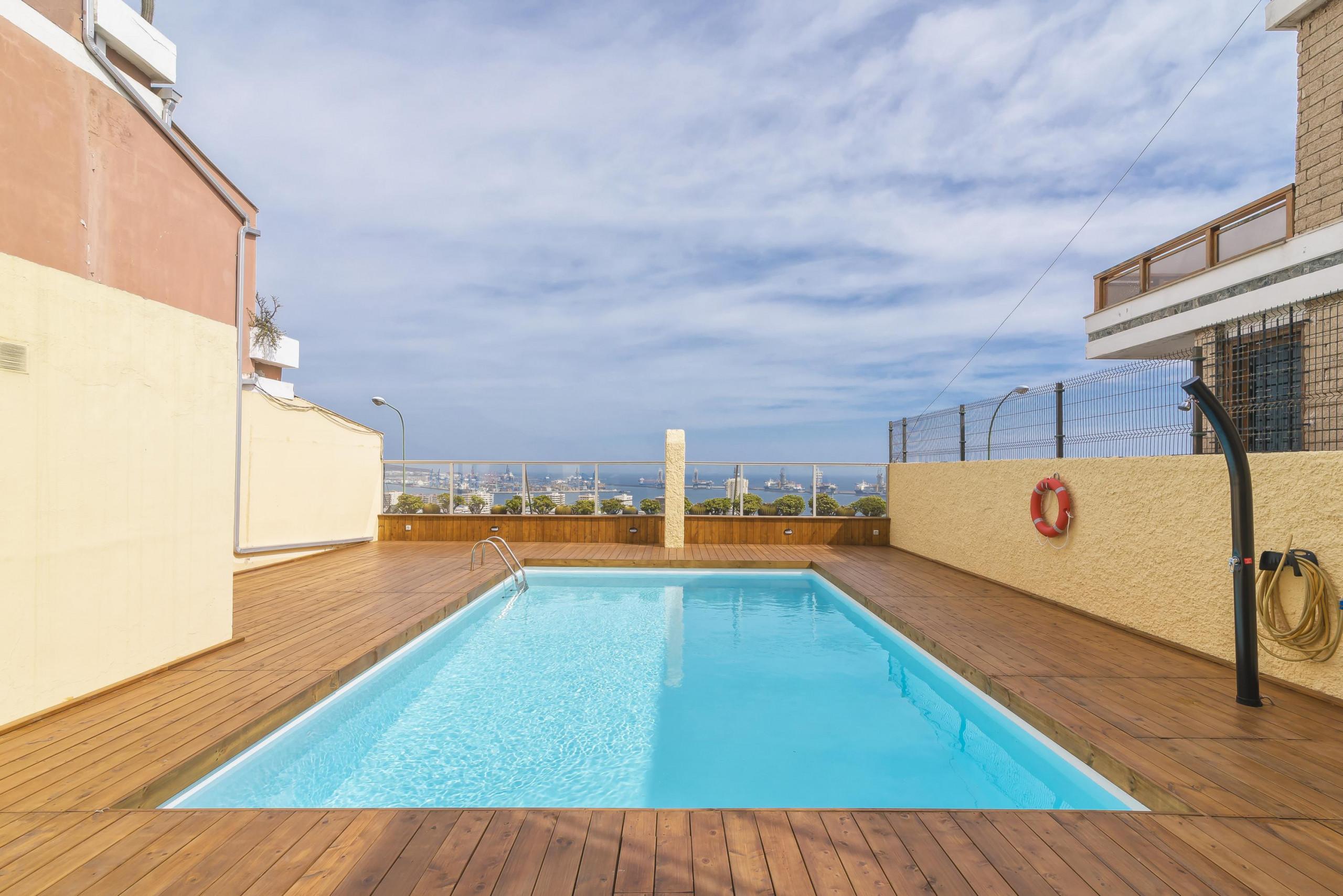 Apartamentos en las palmas de gran canaria gran apartamento con piscina y magn ficas vistas - Piscina las palmas de gran canaria ...