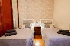 Apartment in Las Palmas de Gran Canaria - Lovely Canteras - Parking + 3 Bdr + Beach