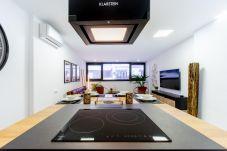 Apartment in Las Palmas de Gran Canaria - Attic Deluxe - 5beds + A/C + WiFi