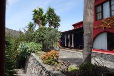 Cottage in Santa Brígida - Villa Las Cadenas (Grande) - WiFi + Terrace + Pool